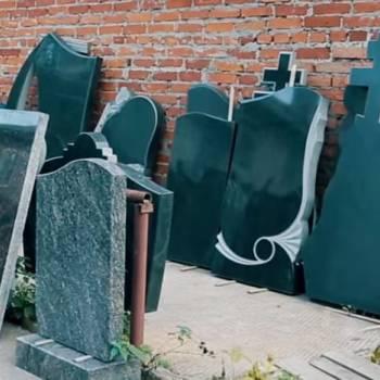Как правильно выбрать памятник для могилы